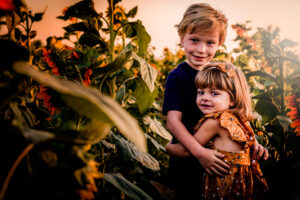mini event, session, photo, photographer, photography, surprise, goodyear, phoenix, avondale, peoria, buckeye, waddell, litchfield park, arizona, az, family, child, sunflower, patch, pumpkin, rocker 7 farm, two second media